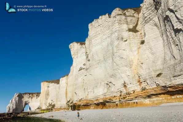 Falaises d'Étretat sur le littoral de la Manche en pay de Caux , département de seine-Maritime, région Haute-Normandie, France