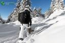 Chemin eneigé en montagne