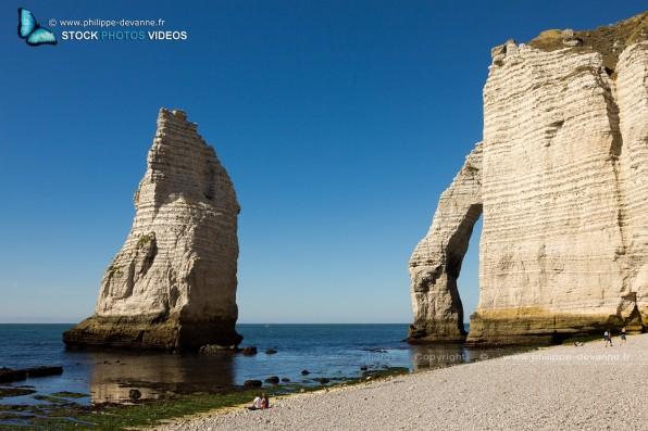 Falaise d'Étretat sur le littoral de la Manche en pay de Caux , département de seine-Maritime, région Haute-Normandie, France
