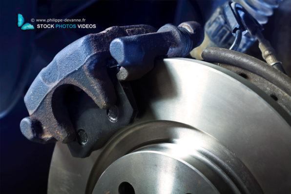 Etrier de disque de frein avec plaquettes